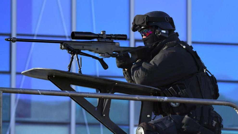 Soldado de una unidad antiterrorista coreana durante un ejercicio
