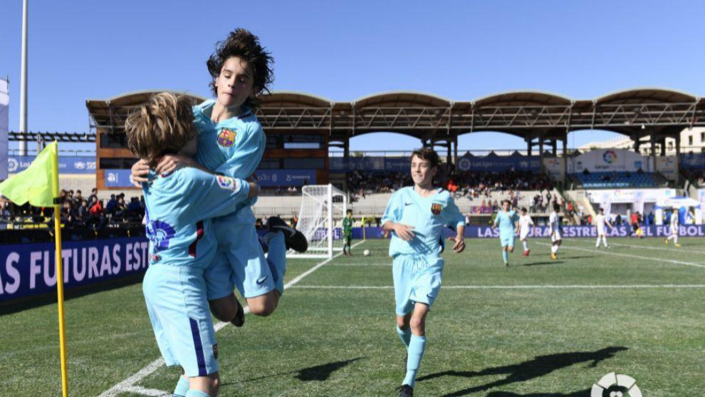 Los jugadores del Barça celebran uno de los goles de Cristo
