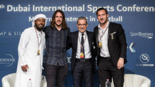 Puyol y Totti, en Dubai.