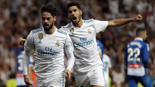 Isco y Asensio celebran un gol al Espanyol.