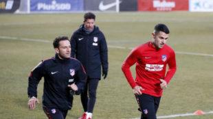 Vitolo, en su primer entrenamiento con el Atlético.