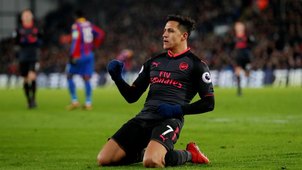 Alexis celebra el gol del 1-3