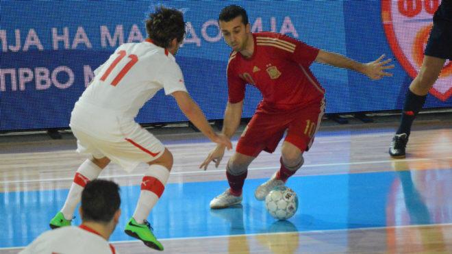 Adri, durante un partido con la selección española.