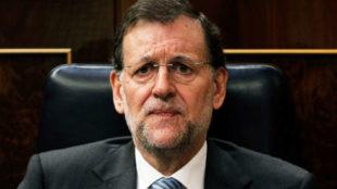 """Mariano Rajoy se lía y acaba deseando un feliz """"2016"""""""