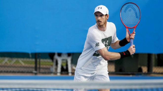 Andy Murray durante un entrenamiento ayer en Brisbane.