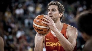 Pau Gasol jugando con España en el Eurobasket de 2017