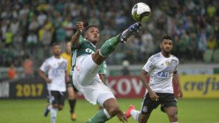 Yerry Mina en acción
