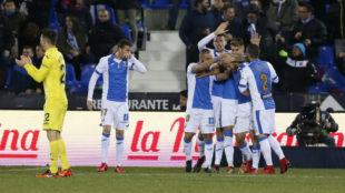 Los jugadores del Leganés celebran el gol de Amrabat