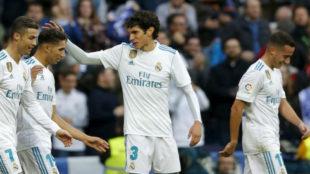 Vallejo felicita a Achraf en el duelo ante el Sevilla