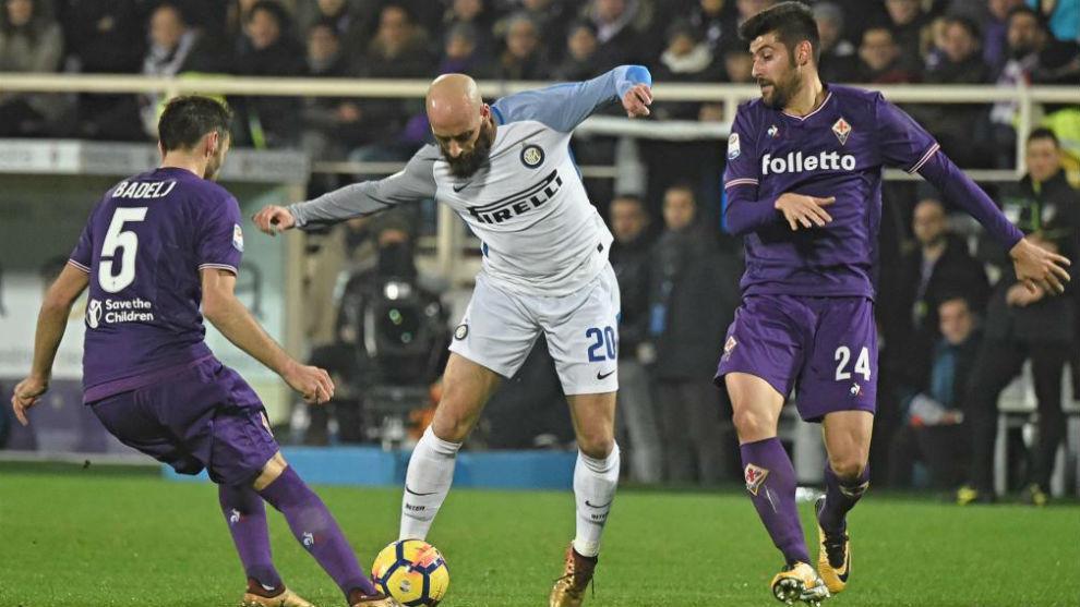 Borja Valero en un momento del Fiorentina-Inter de Milán