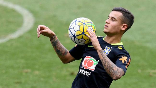 Coutinho en un entrenamiento con Brasil