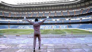 Montaje de la legendaria imagen de Rocky con el Bernabéu de fondo