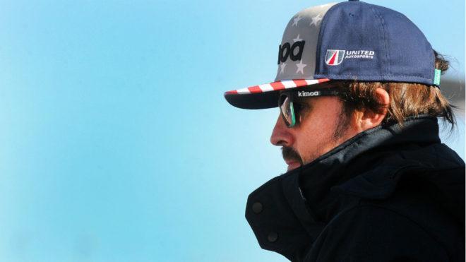 Fernando Alonso, atento a los test de Daytona.