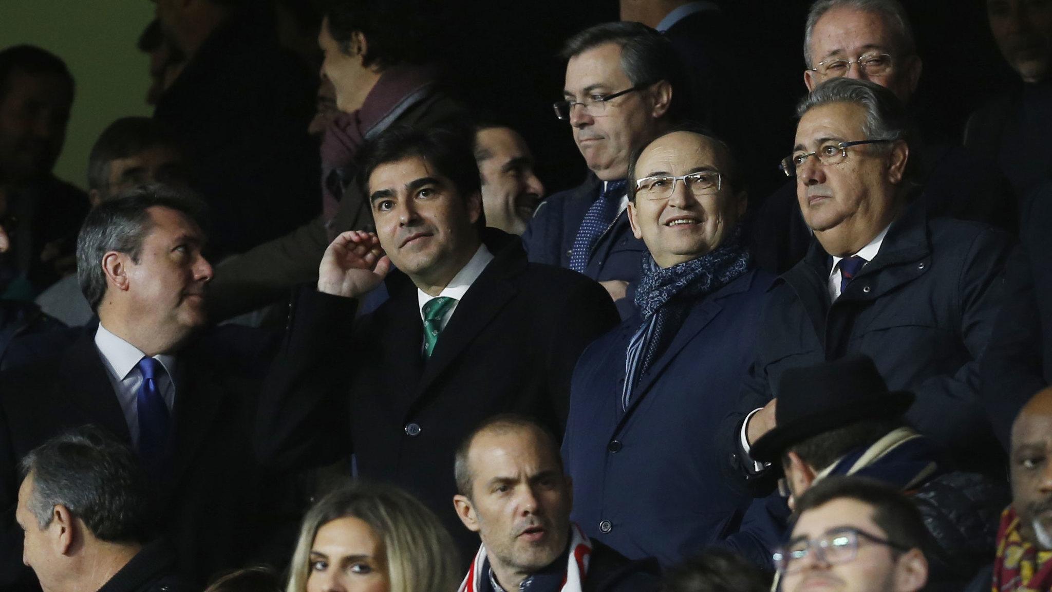 Angel Haro y Pepe Castro en el derbi Sevilla-Betis