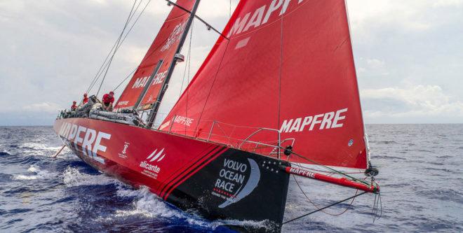 El MAPFRE, navegando rumbo a Hong Kong