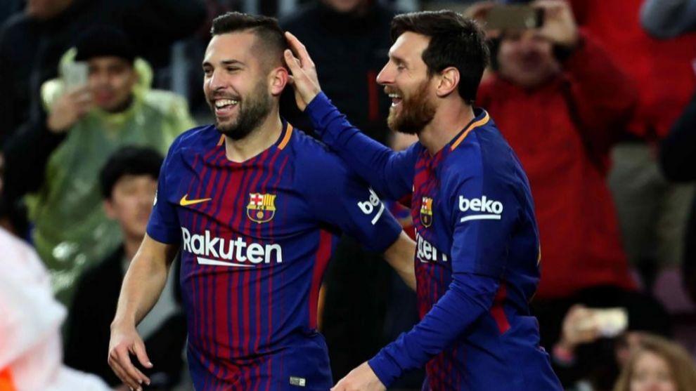 Messi celebra con Jordi Alba el primer gol ante el Levante