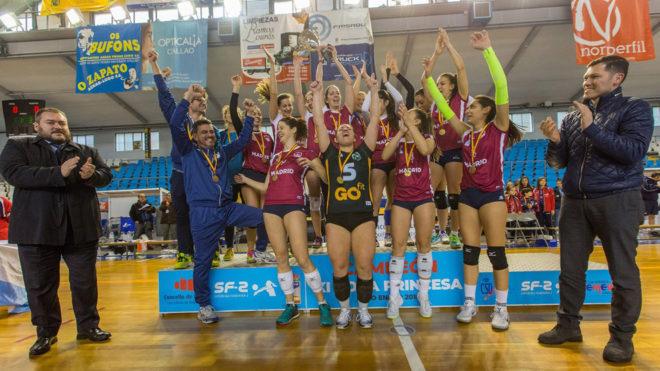 El Madrid Chamberí celebra el título en Lugo