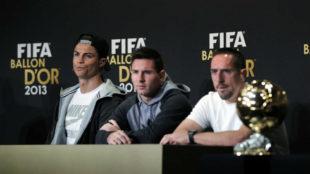 Ribéry, junto a Cristiano y Messi, en la rueda de prensa del Balón...