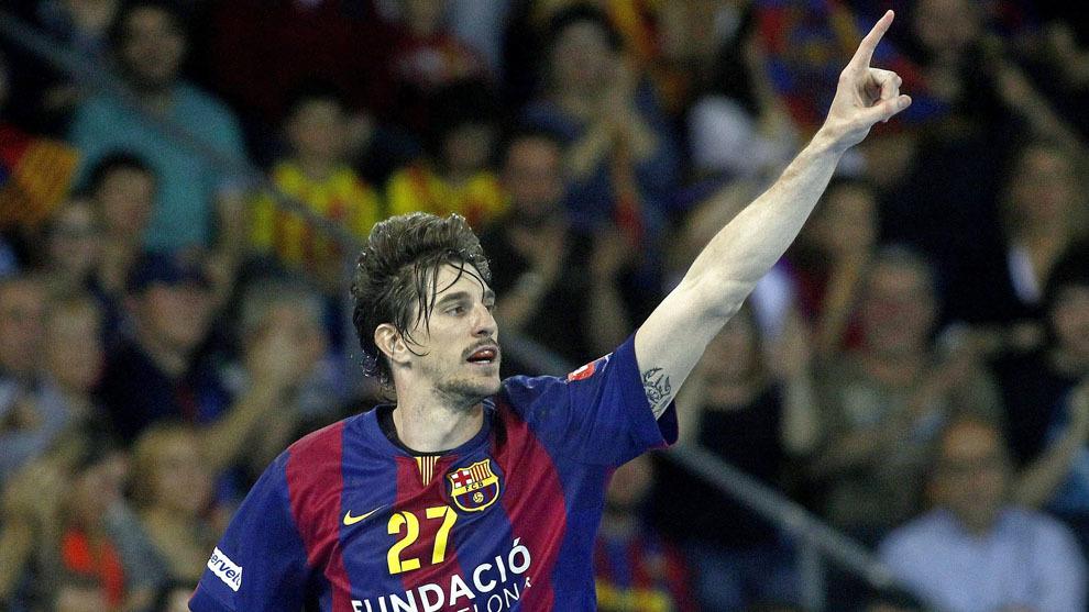 Viran Morros celebra un gol con el Barcelona