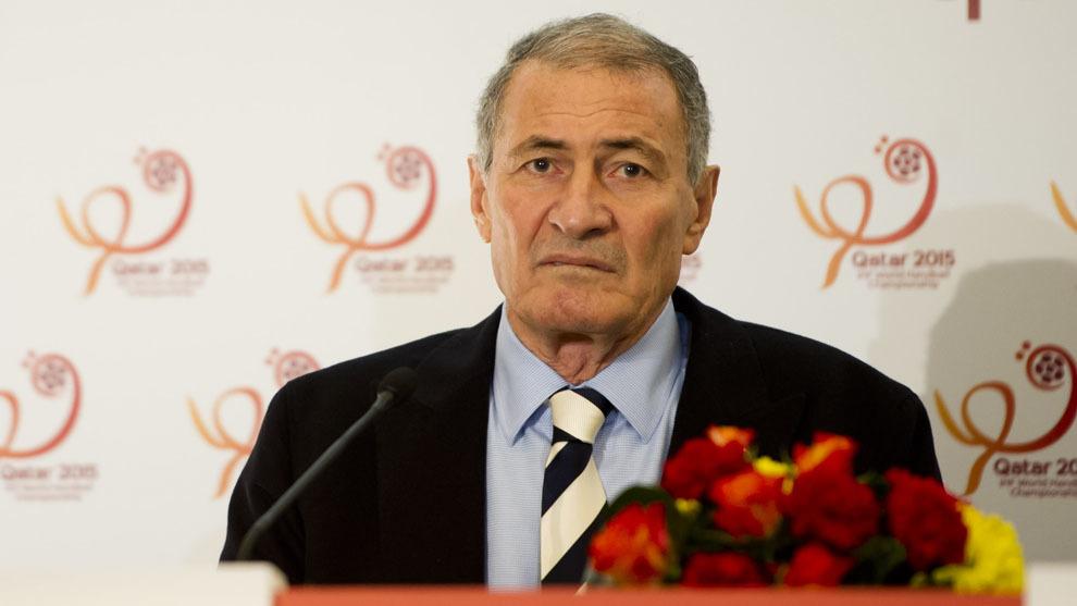 El presidente de la IHF, el egipcio Hassan Moustafa