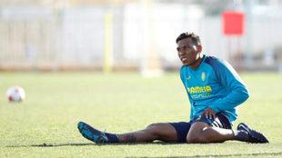 Roger durante su primer entrenamiento en Villarreal.