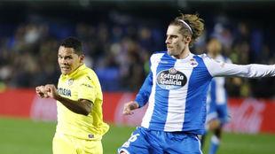 Albentosa pelea con Bacca en el Villarreal-Depor