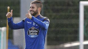 Carles Gil, durante un entrenamiento con el Deportivo.