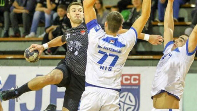 Stefan Ciric durante un partido con el HC Obilic