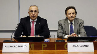 Alejandro Blanco, presidente del COE, y Jesús Lizcano, de...