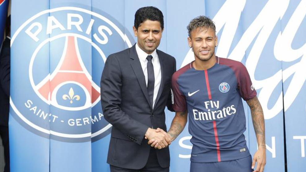 Al Khelaifi y Neymar en la presentación del brasileño