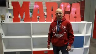 Kiko Martínez (Tres veces campeón del mundo IBF supergallo-Cuatro...