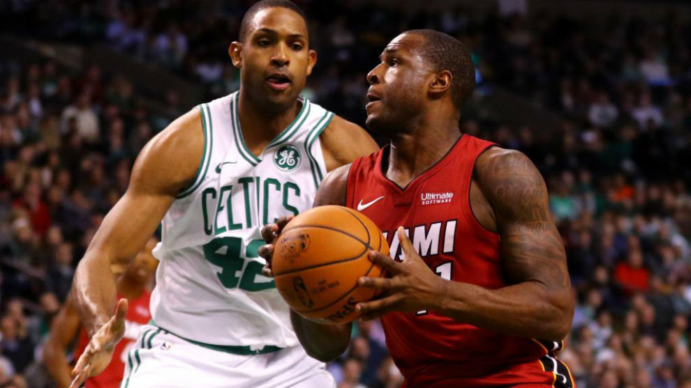 Dion Waiters defendido por Al Horford