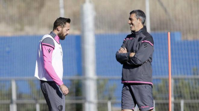 Morales y Muñiz durante un entrenamiento.