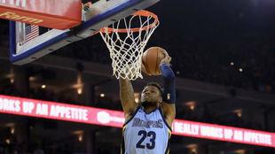 Ben McLemore machaca el aro con los Memphis Grizzlies