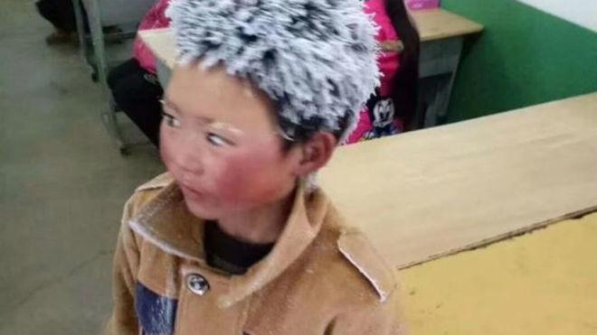 La imagen sobre 'el niño congelado' que ha dado la vuelta al mundo