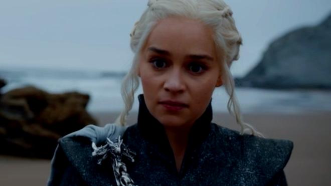 La actriz británica Emilia Clarke interpreta a Khaleesi  en 'Juego de...