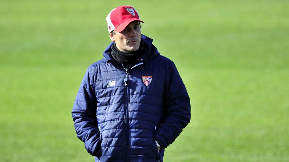 Montella en un entrenamiento del Sevilla