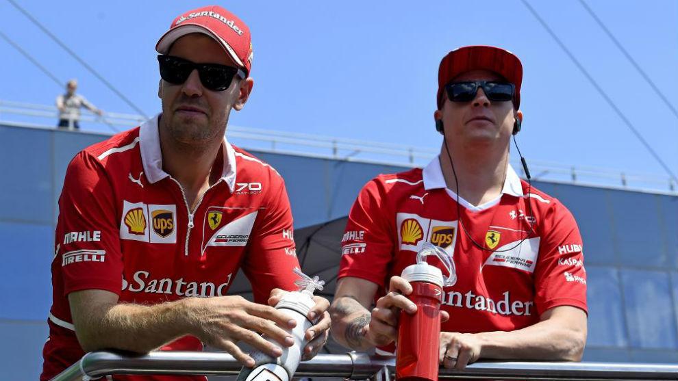 Vettel y Raikkonen, en el GP de Hungría de 2017, donde firmaron un...