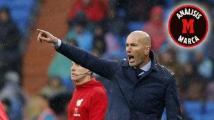 Zidane dando instrucciones