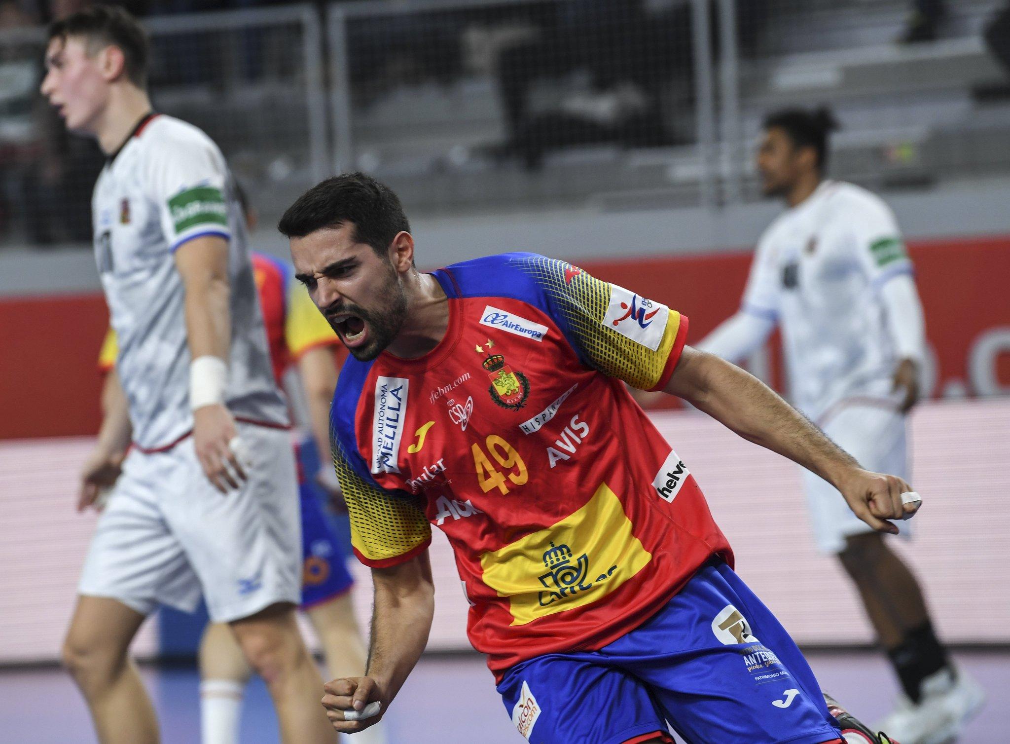 Ferrán Solé celebra uno de sus cinco goles ante Chequia en el...