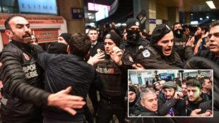 """Cargas policiales en la llegada de Arda a Estambul: """"No somos terroristas, solo seguidores..."""""""