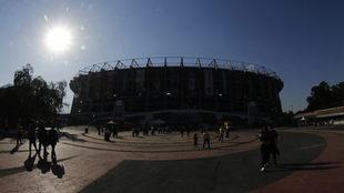 Días oscuros vive la afición del América en el Estadio Azteca.