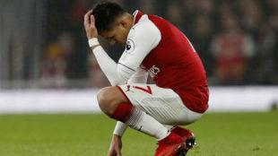Aléxis Sánchez resignado en un momento de la temporada