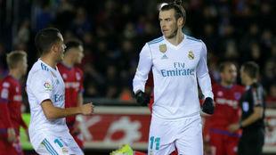 Bale celebra con Lucas su gol en Soria.