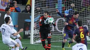 Diego, durante una acción en el partido de Copa de febrero de 2013 en...