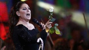 Isabel Pantoja durante un concierto