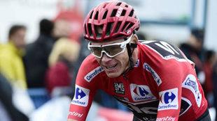 Chris Froome, con el maillot de líder de la Vuelta a España 2017.