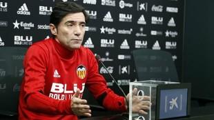 Marcelino, durante la rueda de prensa previa al partido ante el...