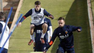 Nacho Vidal y Robert Ibáñez, durante un entrenamiento con el...