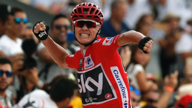 Chris Froome festeja su victoria en la novena etapa de la Vuelta a...